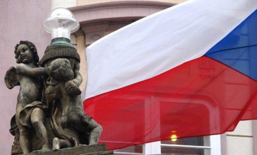 Это преступление: в Чехии запретили выходить без маски на улицу