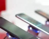 Производство смартфонов в первой половине 2020 года упадет на 30%