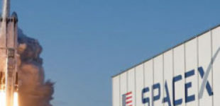 Перед запуском астронавтов SpaceX привлекла 346 млн долларов