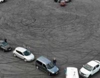 В Запорожье из автомобилей выстроили огромное сердце в поддержку медиков, — ФОТО