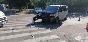 В Запорожье в районе «Славянского рынка» столкнулись Lanos и Volkswagen, — ФОТО