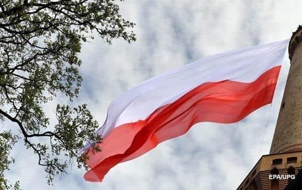 Польша открывает ТРЦ, но думает ограничить поездки