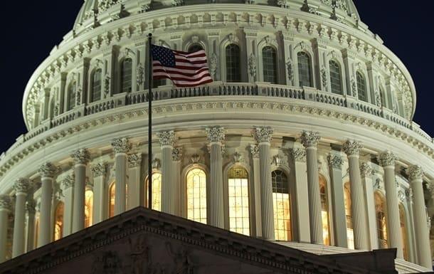 Конгресс преодолел вето Трампа на оборонный бюджет