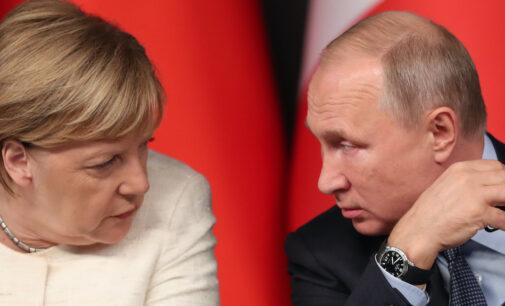 ЕС отказался от идеи Меркель–Макрона пригласить Путина на саммит. Задумали новые санкции