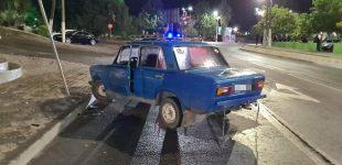 В Мелитополе автомобиль вылетел на тротуар и сбил троих пешеходов