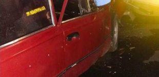 Водитель сбежал и оставил пострадавшего пассажира: в Харькове легковое авто «протаранило» машину «Audi» и припаркованный грузовик, — ФОТО