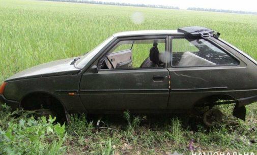 В Запорожской области пьяный мужчина угнал авто и оставил его в поле