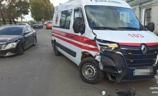 В Харькове не поделили дорогу автомобиль «Toyota» и машина скорой помощи, — ФОТО