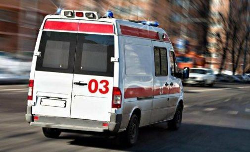В Запорожской области мужчину придавило автомобилем во время ремонта