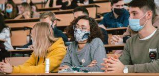 В МОН предлагают ввести дистанционное обучение в «вузах» из-за коронавируса. Сколько оно может продлиться